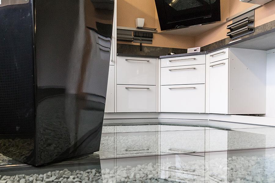 ausstellungsk chen jetzt g nstige angebote sichern. Black Bedroom Furniture Sets. Home Design Ideas